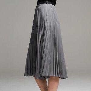 Banana Republic midi grey pleated skirt.